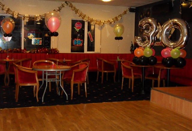 80's themed 30th Birthday Party Balloons