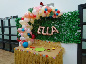 organic balloons, organic balloon arch, name balloons, personalised balloons, bubble balloons, moana themed balloons, blown away balloons blackpool, blackpool part balloons